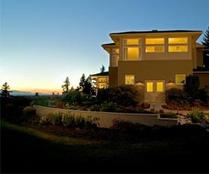Hilltop House by Gelotte Hommas Architecture