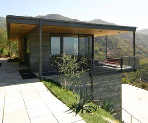 Hilltop Residence by Bruce Bolander
