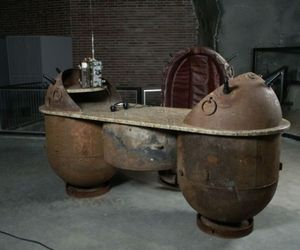 Home decorative products made of recycled sea mines