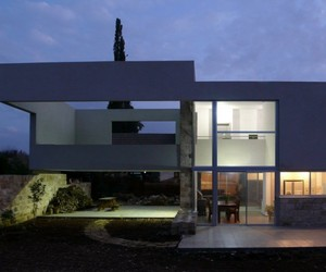 Hotel Villa in Yessod Hammala by Uri Cohen Architects
