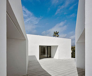 House for a Photographer II by Carlos Ferrater with Carlos Escura