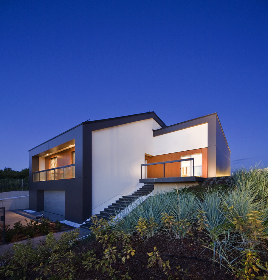 House In A Hungarian Town By Bauer Polla And Zoa Architects