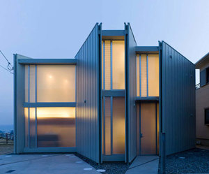 House in Matsuyama by Suppose Design Office