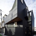 House in Shimomaruko by atelier HAKO architects