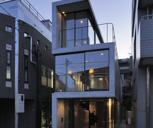 House in Takadanobaba by Florian Busch Architects