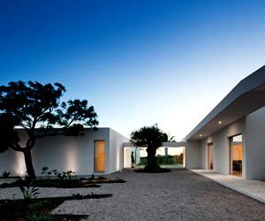 House in Tavira, Portugal by Vitor Vilhena