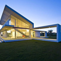 House made of Glass and Concrete in Sicily