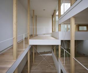 House of Slope by Fujiwaramuro Architects