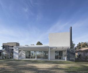 House RA by Pablo Anzilutti