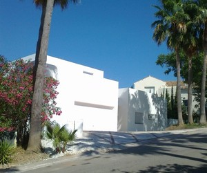 House RT – Sotogrande by N+A Arquitectos