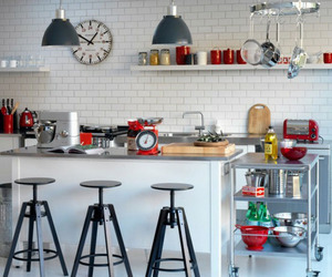 Inspirational Kitchen Designs Using Subway Tile