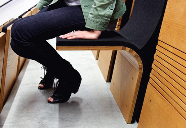 Настенный складной стул