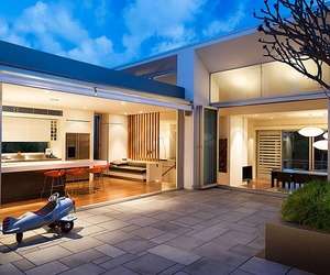 Hunter Hills House by Stanic Harding