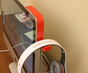 iMac Headphone Holder by Kancha