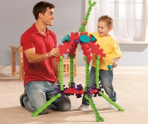 Innovative Construction Play Set Connects Parent and Child