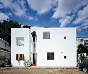 Inside House & Outside House by Takeshi Hosaka Architects
