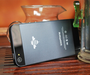 iPhone 5 Knockoff Drops with Android Hardware!