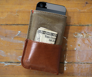 iPhone 5 Wallet | by Dodocase
