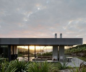Island Retreat House by Fearon Hay Architects