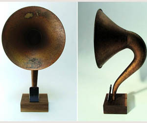iVictrola iPhone Phonograph