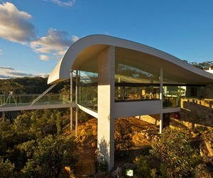 Jaw-dropping retreat with mesmerizing views