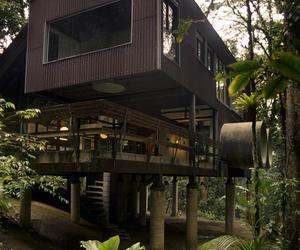 Jungle beach house in Brazil by ArqDonini