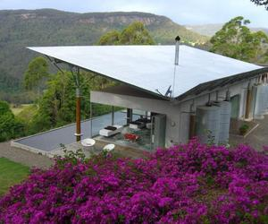 Kangaroo Valley House by Alexander Michael