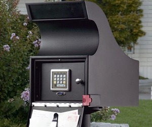 Keyless Locking Mail Vault