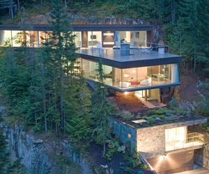 Khyber Ridge House in Whistler by Studio NMinusOne