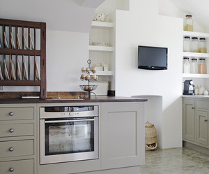 Kitchen of Two Styles