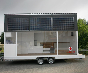 La Casa Movil: Vodafone Mobile Solar Home