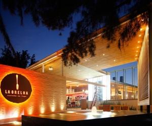 La Grelha Restaurant by Hernandez Silva Architects
