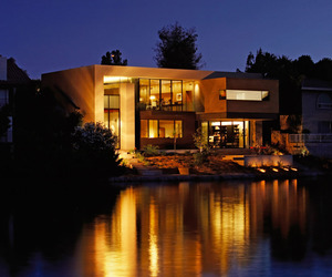 Lake Residence by Architekton