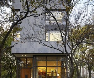 Lake Shore Drive house by Wheeler Kearns Architects