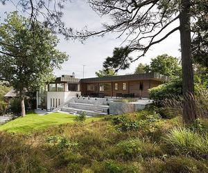 Lakeside Villa in Danderyd by Rahel Belatchew Lerdell