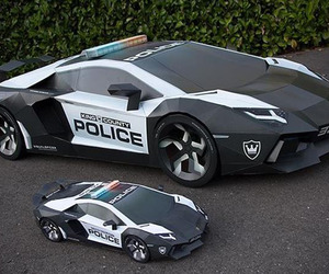 Lamborghini Aventador Replica Crafted from Paper