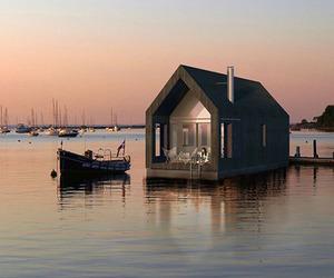 Lativan Modern Houseboat