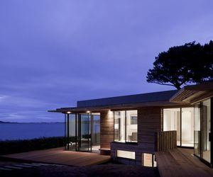 Le Portelet House by MOOARC