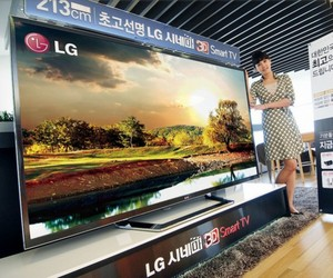 LG 84-Inch Ultra HD 4K 3D TV