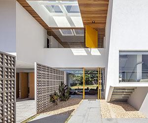 Linhares Dias House by DOMO Arquitetos
