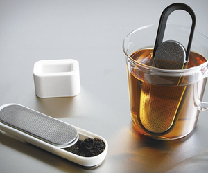 Loop Tea Strainer | by Kinto