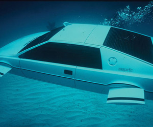 Lotus Esprit 007 Submarine