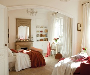Lovely, romanitc and enchanting bedroom and bathroom