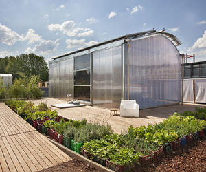 LOW3 : Self Sufficient Solar Home by AAIMM Architecture