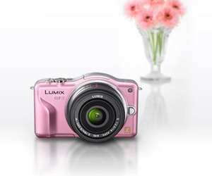 Lumix GF3 :The Smallest and Lightest Digital SLR!