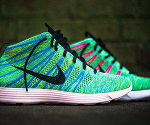 Lunar Flyknit Chukka Sneakers | Nike