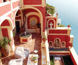 Luxurious Villa Dorata Perched on the Amalfi Coast
