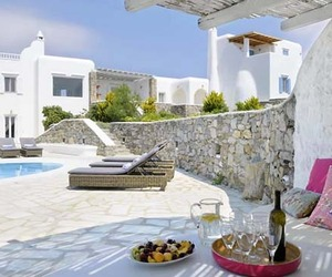 Luxurious Villa Le Soleil de Rhenia in Mykonos