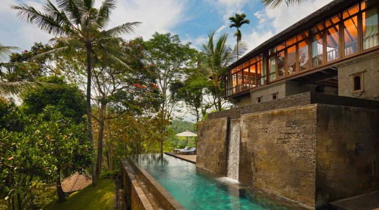 Luxury como shambhala resort spa in bali for Top hotels in bali indonesia