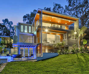 Luxury Contemporary Home on Brisbane River